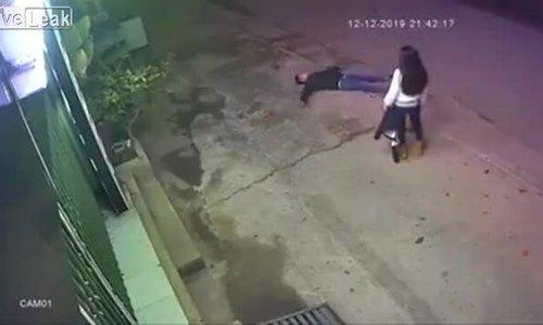 Video đập gạch vào đầu vì cãi nhau với bạn gái gây tranh cãi - ảnh 1