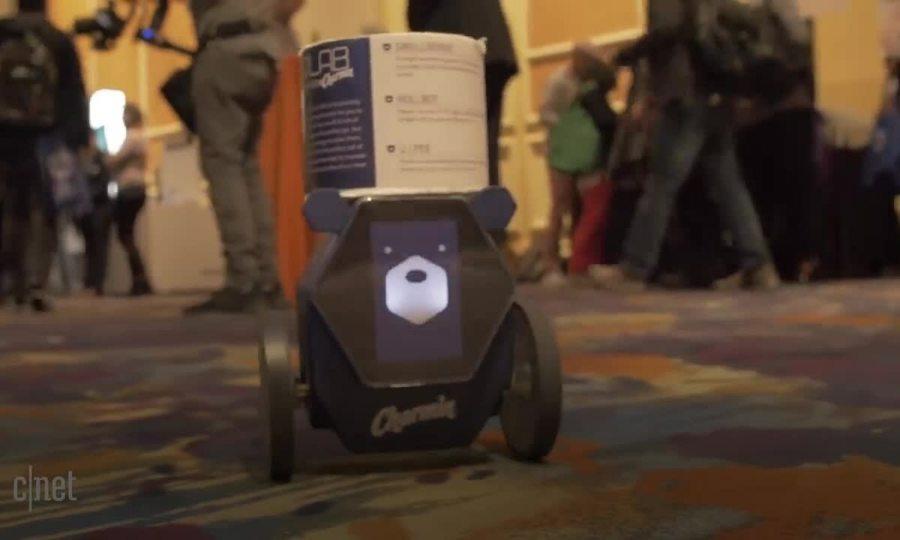 Robot giao giấy vệ sinh