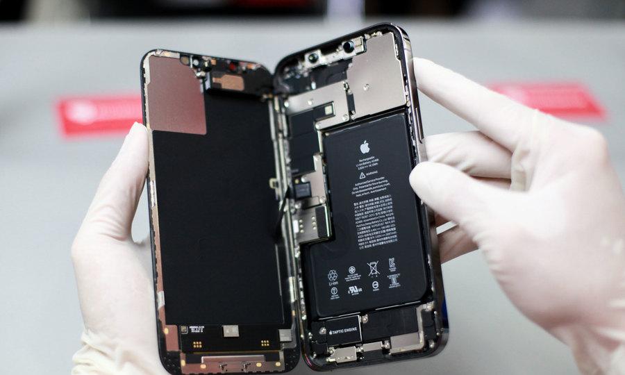 Mổ bụng iPhone 12 Pro Max