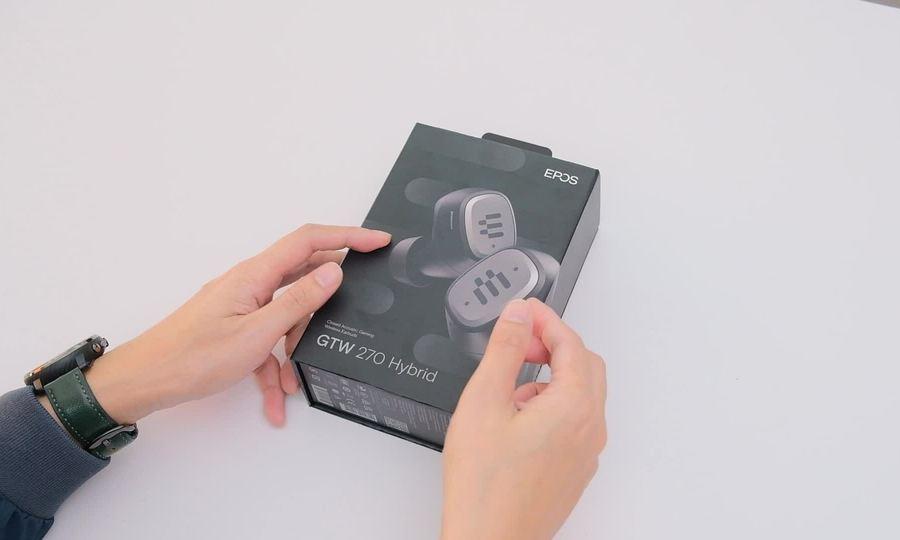 Tai nghe không dây thực thụ đầu tiên cho game thủ