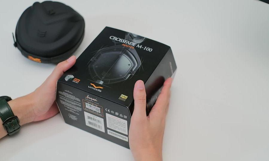 Mở hộp tai nghe V-moda Crossfade M-100 Master