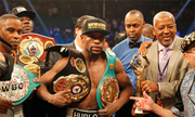 Mayweather thắng Pacquiao trong trận so găng lịch sử