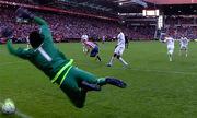 Trọng tài cứu Real Madrid khỏi bàn thua rõ mười mươi