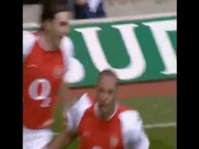Bàn thắng của Henry vào lưới Liverpool năm 2004