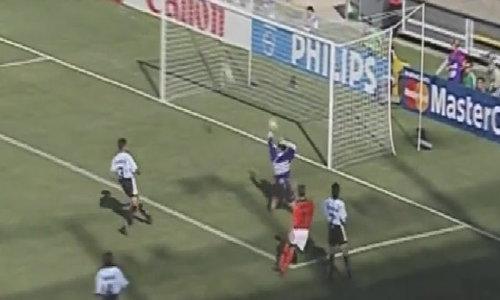 Siêu phẩm của Bergkamp vào lưới Argentina năm 1998