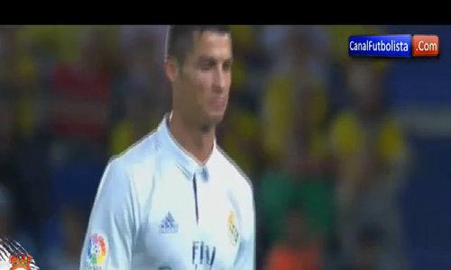 Ronaldo cáu giận với Zidane khi bị thay người trong trận hoà Las Palmas 2-2