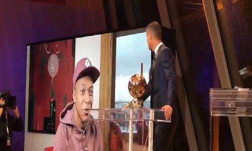 Mbappe gửi lời chúc mừng Ronaldo