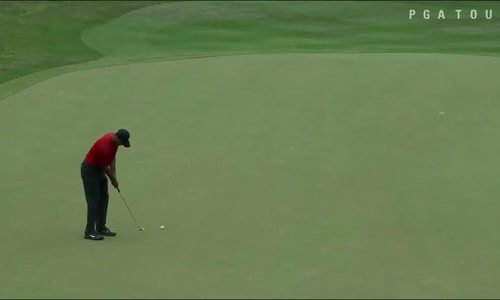 Cú gạt ghi birdie ở hố 17 của Tiger Woods