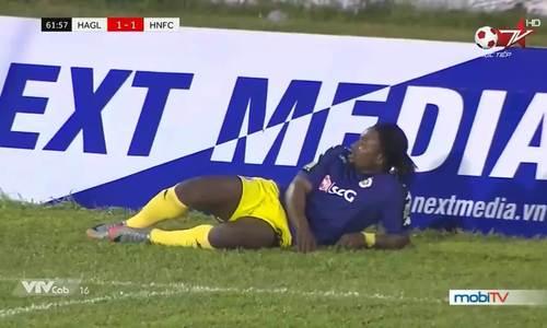Cầu thủ Hà Nội bỏ lỡ cơ hội