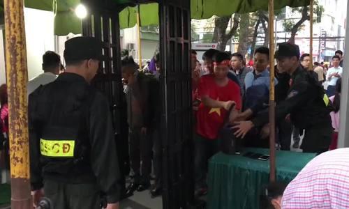 CĐV Việt Nam trước trận gặp Campuchia