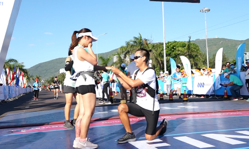 Màn cầu hôn tại Vnexpress Marathon 2019