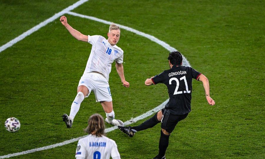 Đức 3-0 Iceland