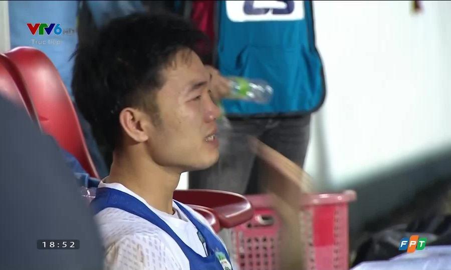 Xuân Trường khóc sau trận thắng trước Hà Nội