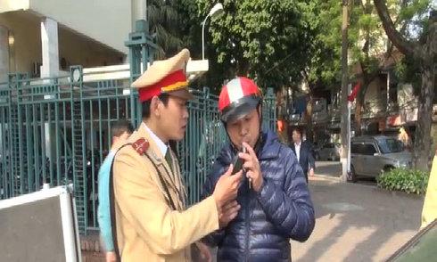 Hà Nội đồng loạt kiểm tra nồng độ cồn gần các quán nhậu