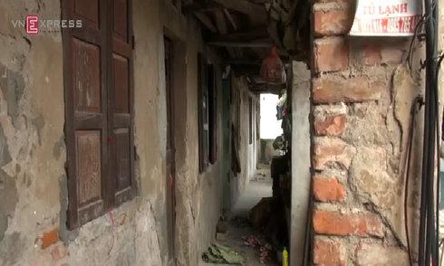 Xe cấp cứu bốc cháy khi lộn nhào, 2 người tử vong