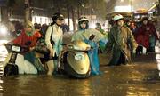 Người Sài Gòn lội bì bõm ở nơi 'cứ mưa là ngập'