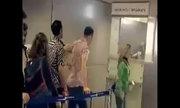 Khi khủng bố làm thủ tục ở sân bay