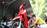 'Tiết học' rửa xe làm từ thiện của nhóm sinh viên Hà Nội