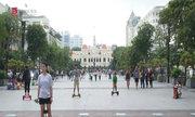 Rộ mốt chơi xe điện cân bằng ở Sài Gòn