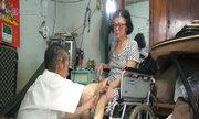 Tình yêu và trách nhiệm của ông lão 80 tuổi bán kem nuôi vợ