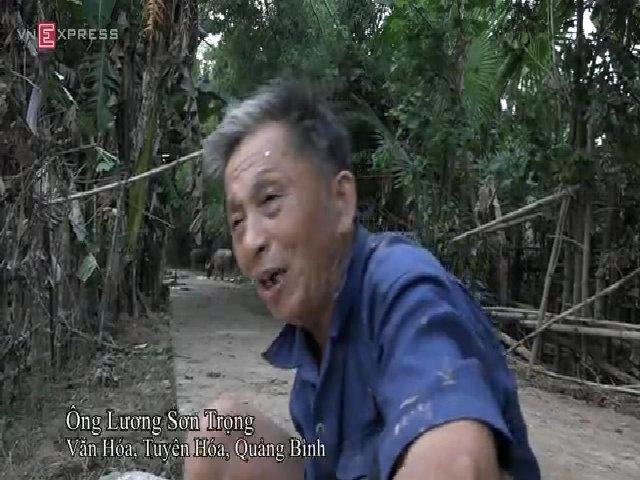 Người dân xã Văn Hóa 'Tôi ăn mì tôm sống qua ngày lũ'
