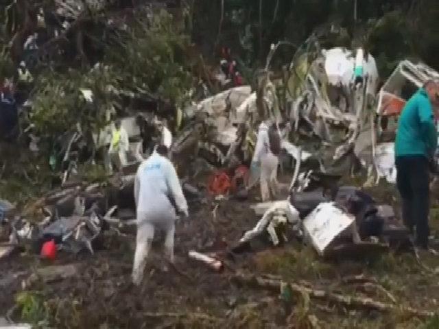 Hiện trường phi cơ chở câu lạc bộ Brazil rơi ở Colombia