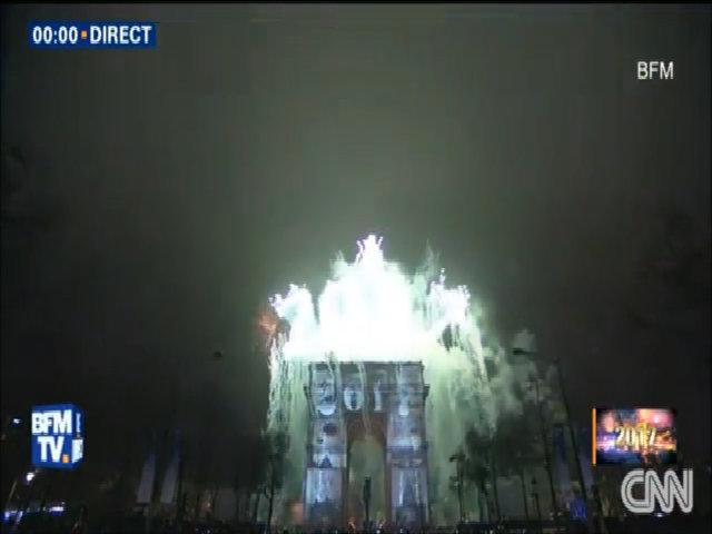 Màn trình diễn ánh sáng và pháo hoa ở Paris
