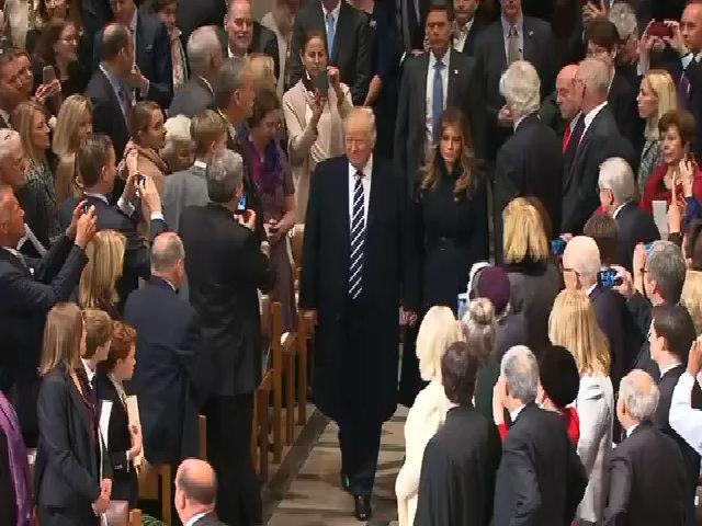 Trump dự lễ cầu nguyện tại nhà thờ