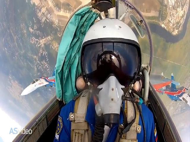 Một ngày huấn luyện của đội bay biểu diễn hàng đầu nước Nga