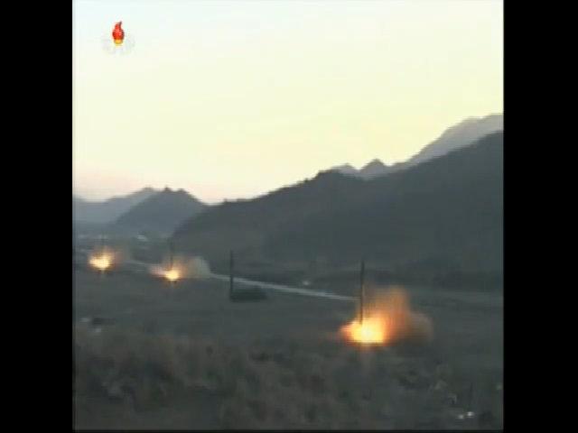 Triều Tiên công bố hình ảnh vụ phóng 4 tên lửa đạn đạo cùng lúc