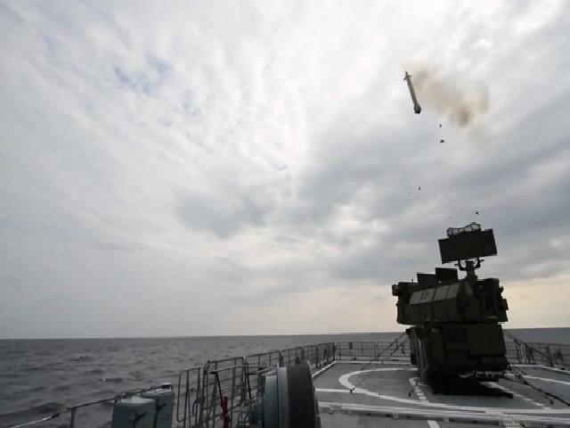 Nga thử nghiệm tên lửa phòng không lục quân trên tàu chiến