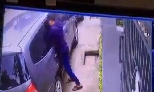 Cảnh giác nạn đập kính ôtô trộm cắp tài sản