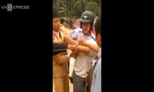 Nhóm cướp đua xe với cảnh sát cho đồng bọn tẩu thoát