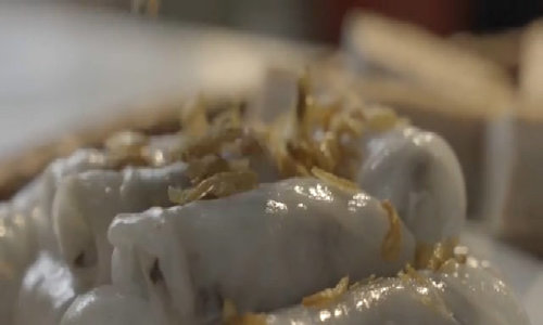 Bánh cuốn Thanh Trì ăn cùng cà cuống