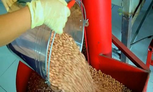 Cách ép 10.000 lít dầu thực vật không cần chất bảo quản