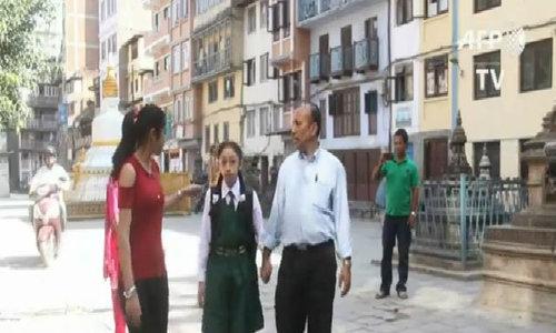 Trút bỏ danh hiệu 'nữ thần sống' Kumari, cô bé Nepal đi học