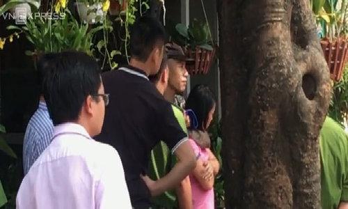 Cảnh sát giải cứu con tin bị nam thanh niên dùng dao khống chế