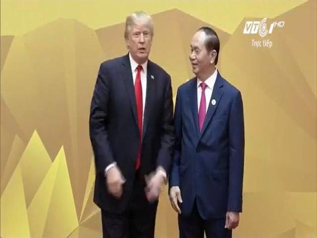 Chủ tịch nước đón lãnh đạo Mỹ tại Hội nghị Cấp cao APEC