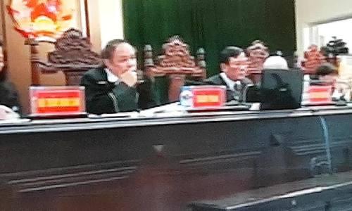 Ông Trịnh Xuân Thanh khóc khi nghe bào chữa của ông Thăng - ảnh 1