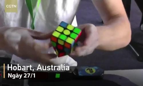 Thanh niên Australia giải khối rubik trong chớp mắt