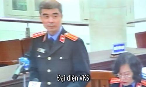 Đại diện VKS tại tòa sáng 2/2