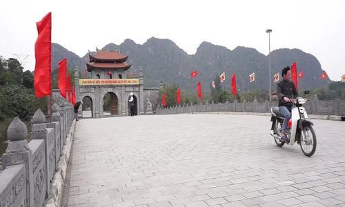 Cổ vật long sàng ở đền vua Đinh Tiên Hoàng (bài Tết)