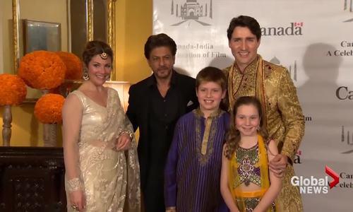 Thủ tướng Canada bị chỉ trích vì tham mặc trang phục Ấn Độ