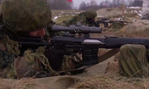 Xạ thủ Nga trổ tài bắn trúng vỏ đạn từ cách 100 m