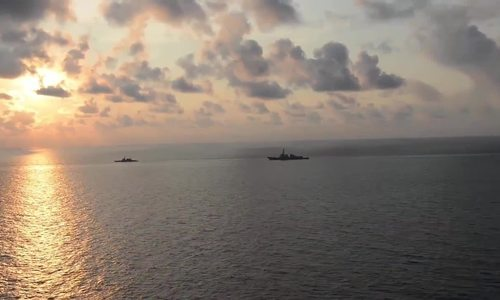Uy lực 'pháo đài nổi' USS Carl Vinson của hải quân Mỹ