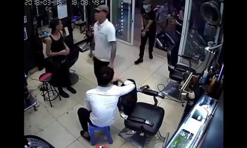 Nổ súng đe dọa chủ tiệm cắt tóc vì mâu thuẫn tình ái