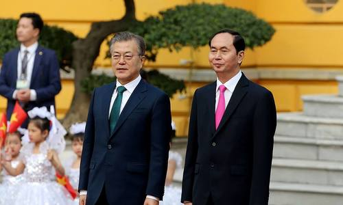Chủ tịch nước đón Tổng thống Hàn Quốc Moon Jae-in