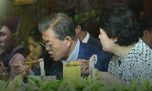 Tổng thống Hàn Quốc và phu nhân ăn bát phở 150 nghìn