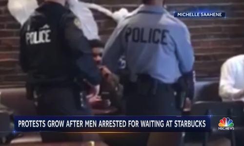 Hai người đàn ông gốc Phi bị bắt ở quán Starbucks