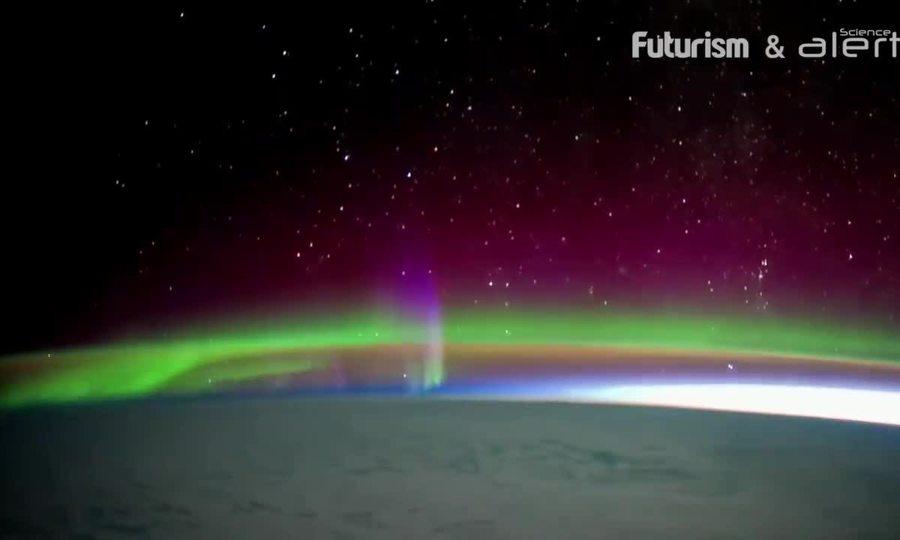 Lý giải sự hình thành của cực quang
